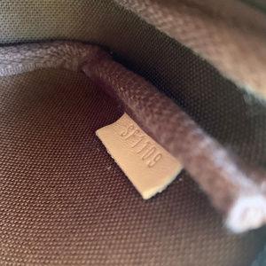 Louis Vuitton Bags - LOUIS VUITTON Mini Pochette Accessoires Monogram